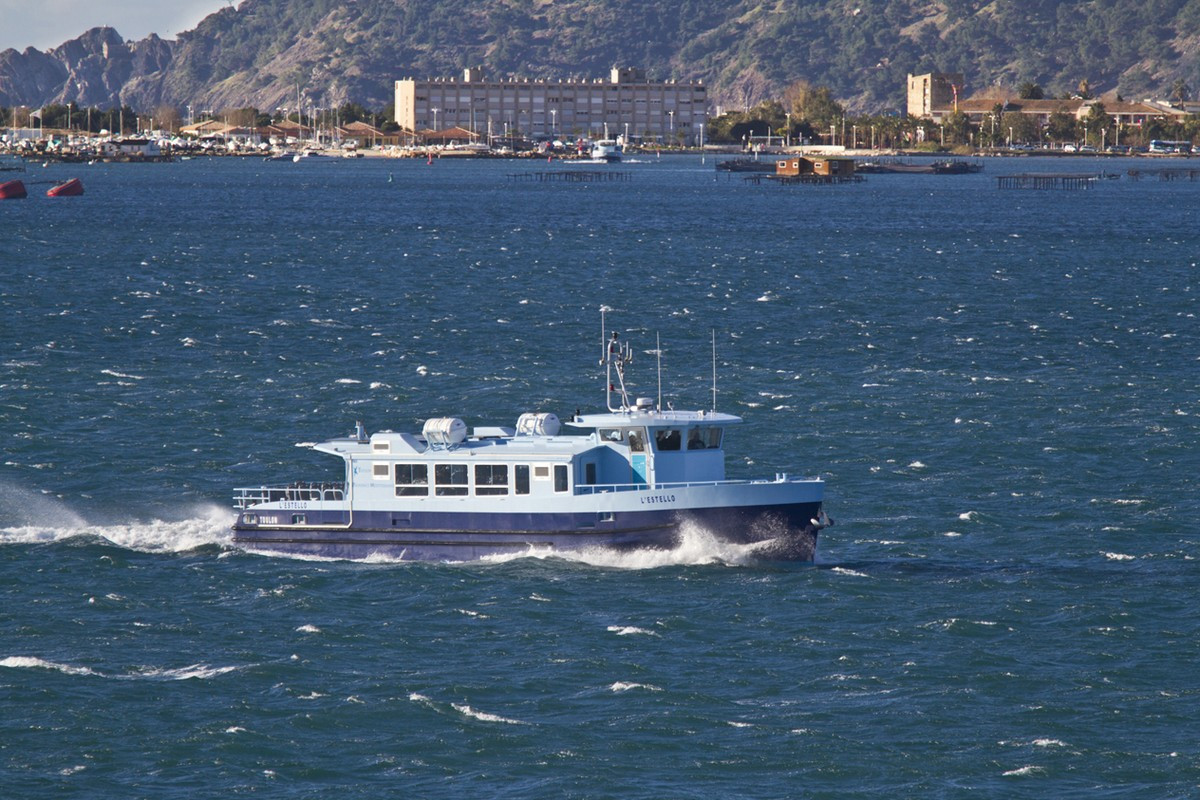 Historique de la société, deux navettes trans-rade Hybride Série pour le transport collectif de Toulon