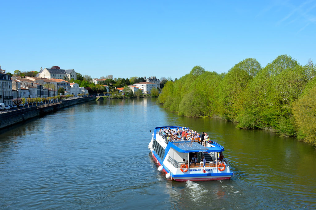 Propulsion navale du bateau Bernard Palissy par Alternatives Energies
