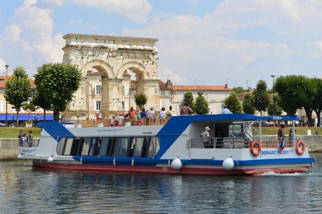 Nos réalisations Bernard Palissy 3 visiter la charente en bateau par Alternatives Energies